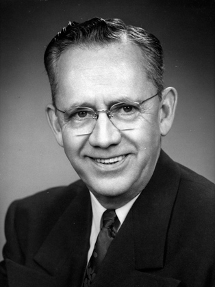 Rev. Theodore Curtis Abell, minister at the Sacramento Unitarian Society from 1945-1960