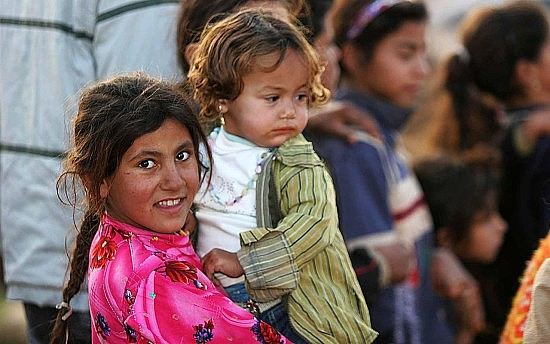 1280px-Iraqi_refugee_children,_Damascus,_Syria
