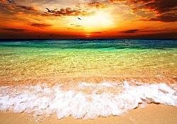 sky_and_ocean_rainbow_colors_istock