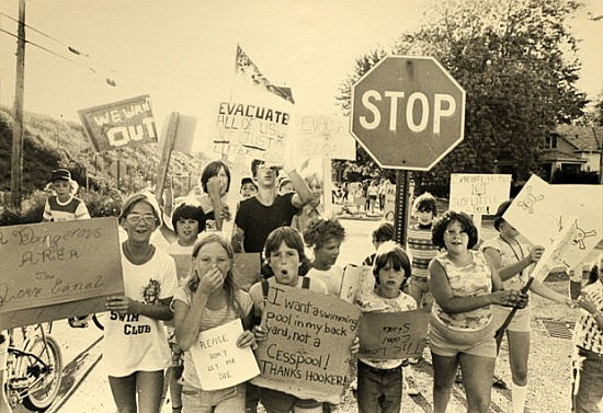 kidsprotest at Love Canal